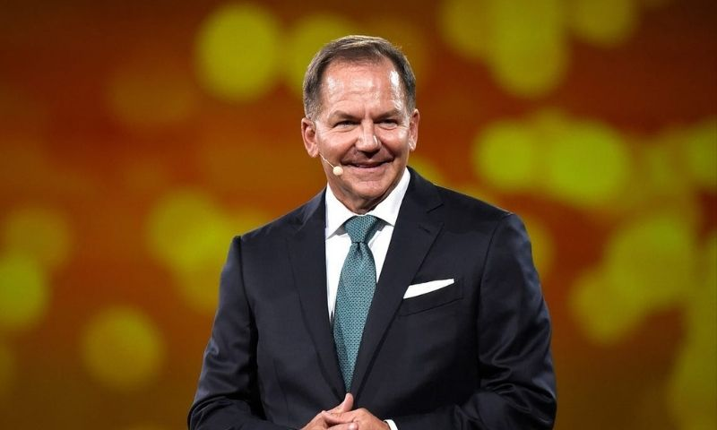 When Paul Tudor Jones says he's buying Bitcoin, other money managers will follow suit