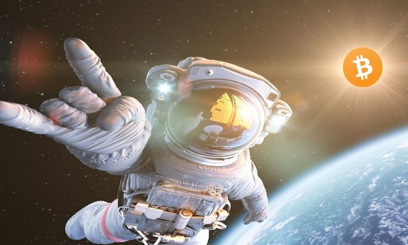 Bitcoin price to the moon, so says Bloomberg analyst...