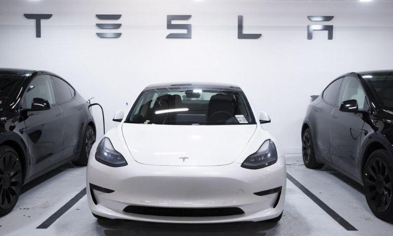 you can buy a tesla with bitcoin